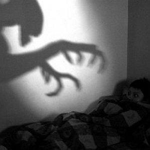 ночные кошмары. почему ребенок часто просыпается ночью