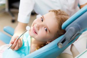 В каком возрасте лучше ставить брекеты. В каком возрасте ставят брекеты детям.