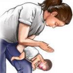 Что делать, если ребенок подавился?